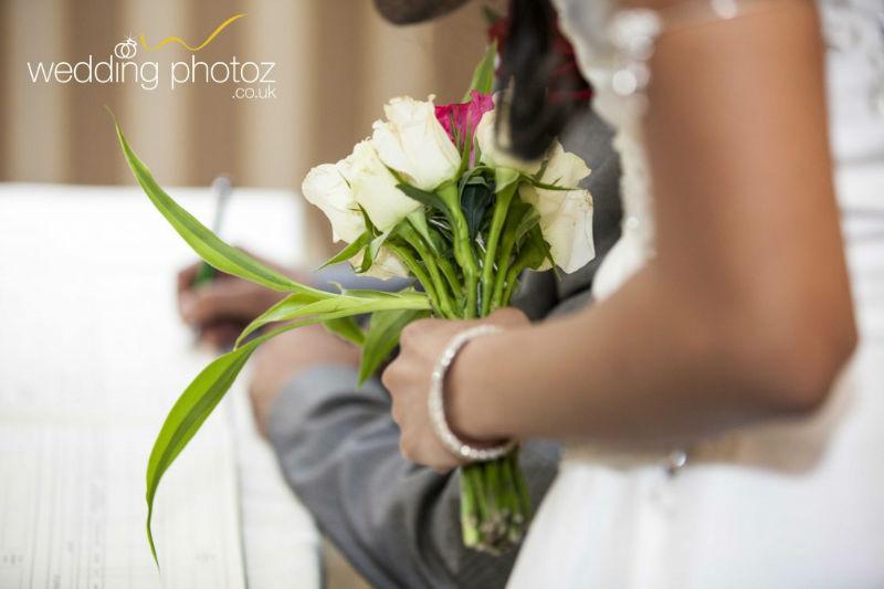 civil ceremony photos in luton